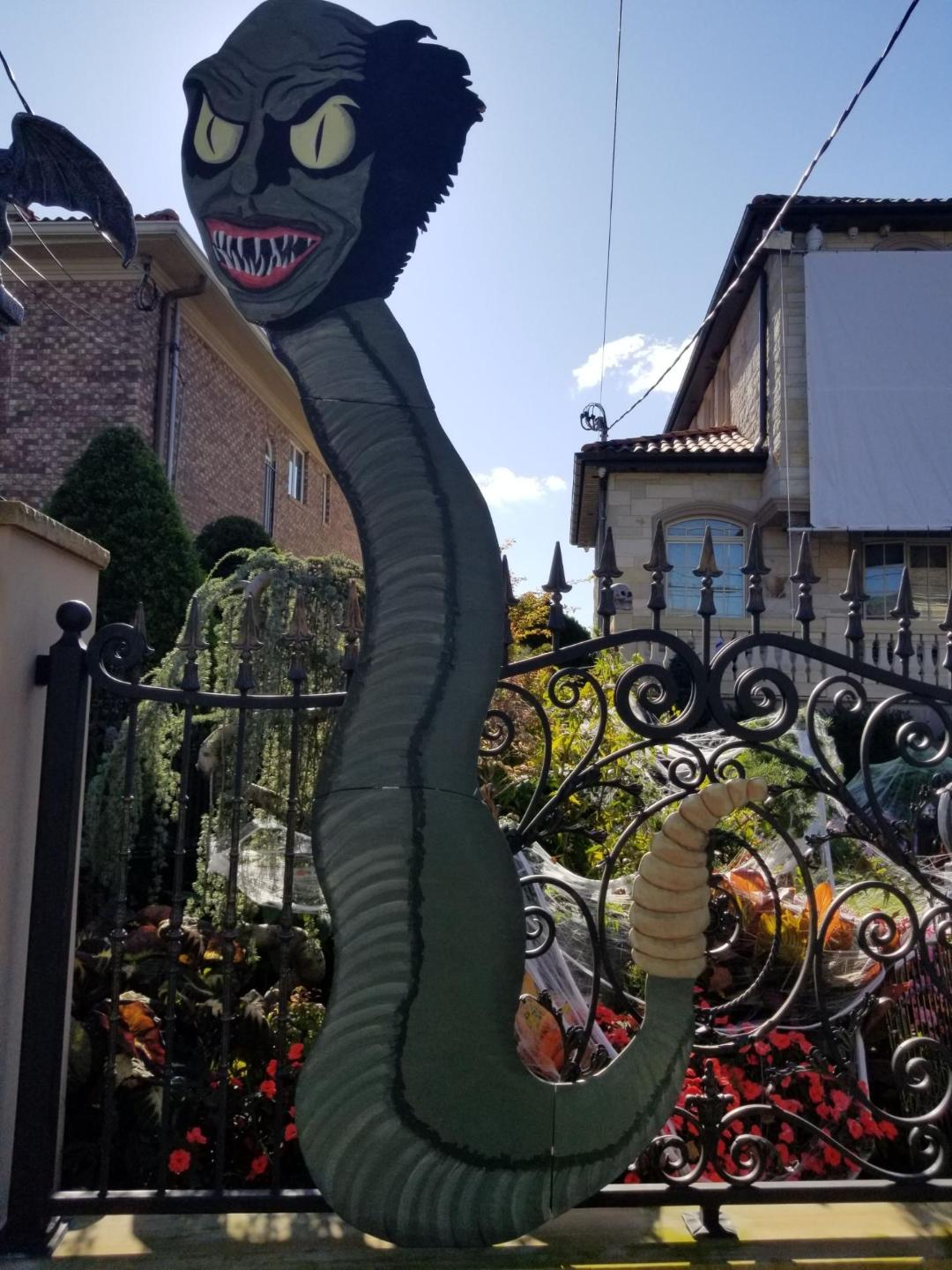 Details about SNAKE from BEETLEJUICE 8 FT HALLOWEEN LAWN ART YARD SIGN DECOR